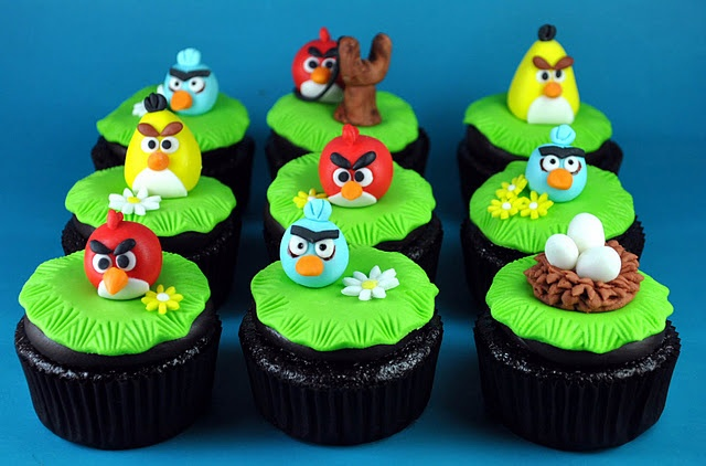 Angry Bird Cupcakes - super cute - now where did I put that slave of mine....