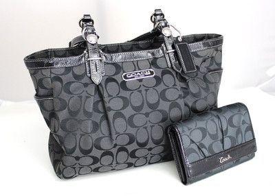 Authentic Coach Signature Black Canvas/Leather Shoulder Bag Purse w/wallet Exc