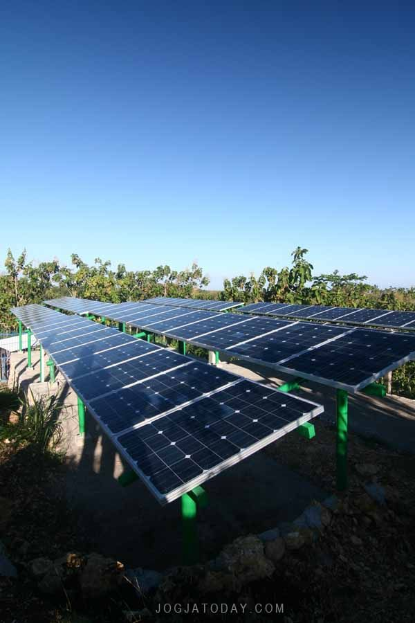 Solar Water Pumping System at Dusun Banyumeneng I, Desa Giriharjo, Kecamatan Panggang, Gunungkidul, Daerah Istimewa Yogyakarta-Indonesia.(rovitavare/jogjatoday.com)