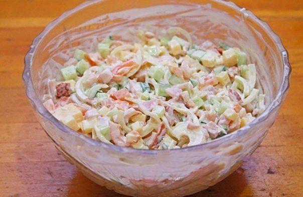 """Salata """"Frumusete"""" este o gustare deosebita, foarte gingasa si delicioasa, care poate fi servita atat pe masa de sarbatoare, cat si in zilele obisnuite. Salata este foarte usoara si contine putine …"""