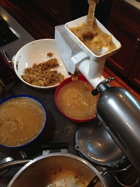 How to make applesauce with @KitchenAid mixer and attachments - from @Sandy Coughlin | Reluctant Entertainer
