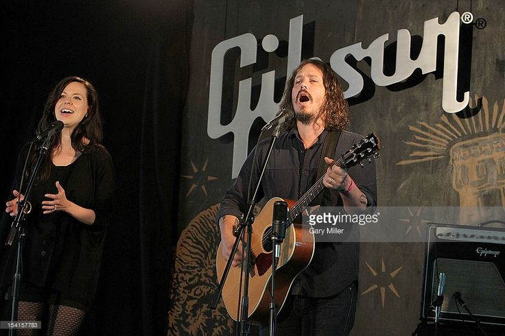 Musicians Joy Williams (L) and John Paul White of the Civil Wars perform in concert at the Gibson Showroom on October 14, 2012 in Austin, Texas.