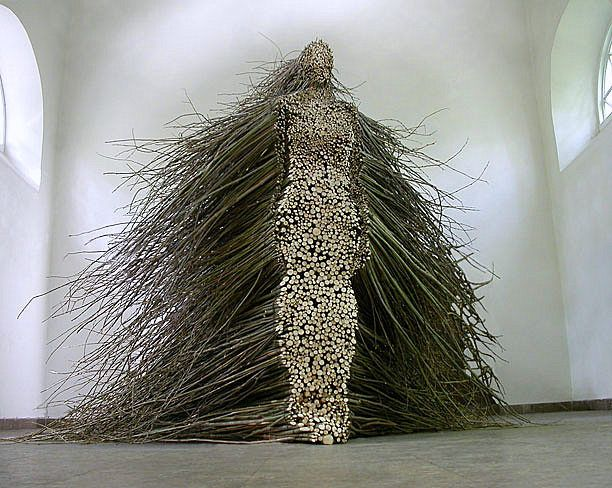 Stillness in Motion is a sculpture by Cleveland-based artist Olga Ziemska that was installed in 2003 at the Centre of Polish Sculpture in Oronsko, Poland. The piece is made entirely from cut willow branches that have been cut and stacked to create a human figure.: Branches Sculpture, Art, Wood Sculpture, Sticks Figures, Human Figures, Figures Willow, Olga Ziemska, Olgaziemska, Willow Branches