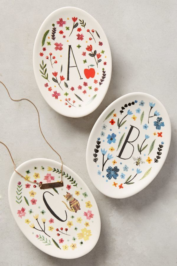 A trinket dish is a really sweet present to add to your Mums dressing table! These floral Anthropologie ones are gorgeous!