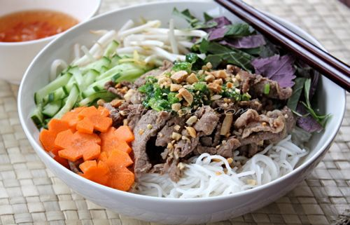 southeast asia and yummy pork buns This singapore food guide includes 25 dishes that you should  pork ribs soup 2  it's a snack type of dish that also popular throughout southeast asia,.