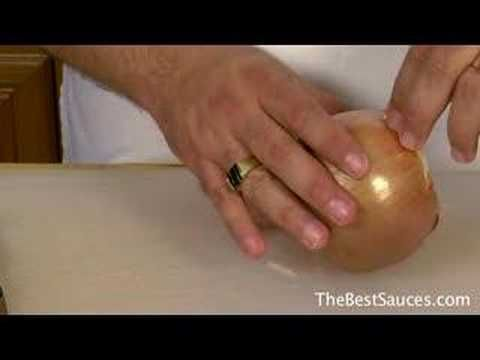 How to cut an onion without crying. Better than hanging a piece of bread in your mouth!