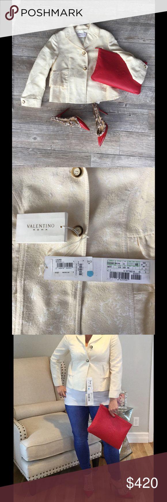 🙀NWT🙀 Valentino Blazer Extremely versatile cream colored NWT Valentino blazer. Size 8 (44) can be worn casual or dressy you decided! Valentino Jackets & Coats Blazers