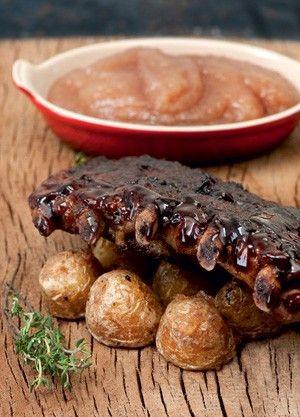 Costeleta suína com molho barbecue e purê de maçãs verdes e cassis de Carla Pernambuco, do Carlota e Las Chicas
