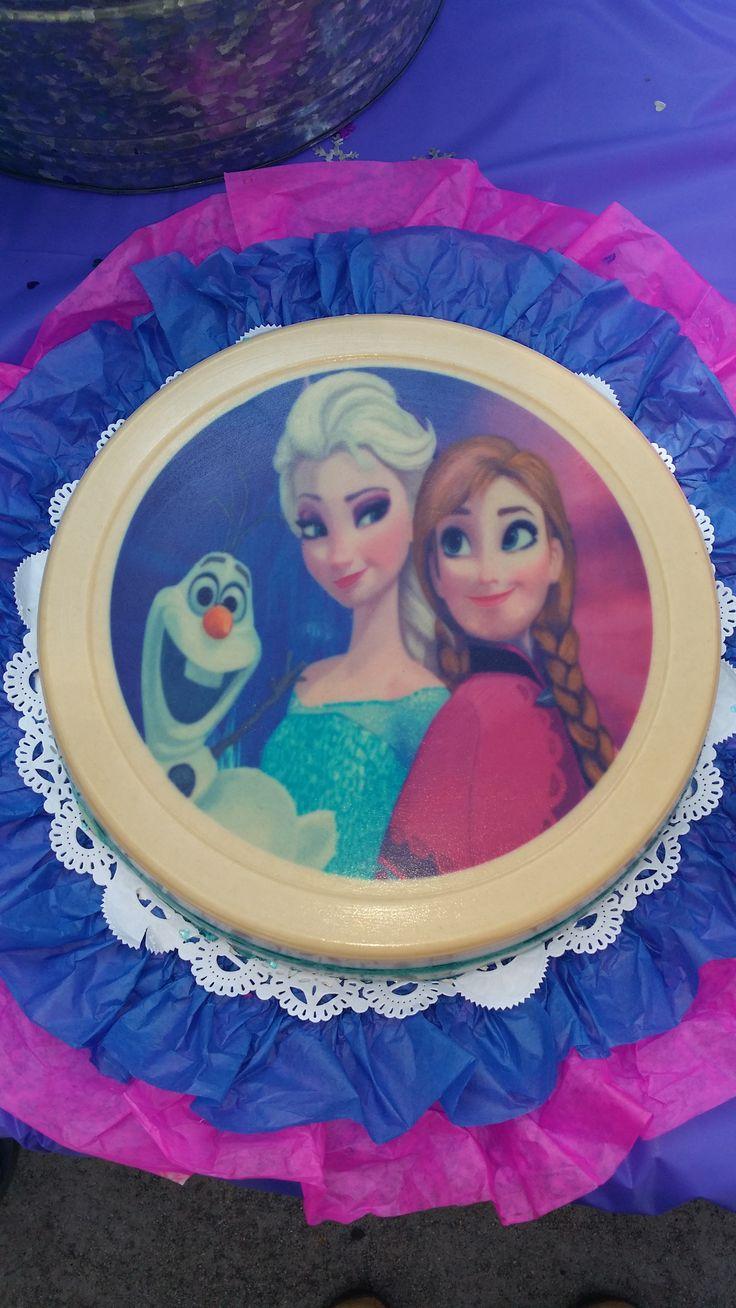 Frozen theme Jello Cake.  Pastel de Gelatina con tema Frozen.