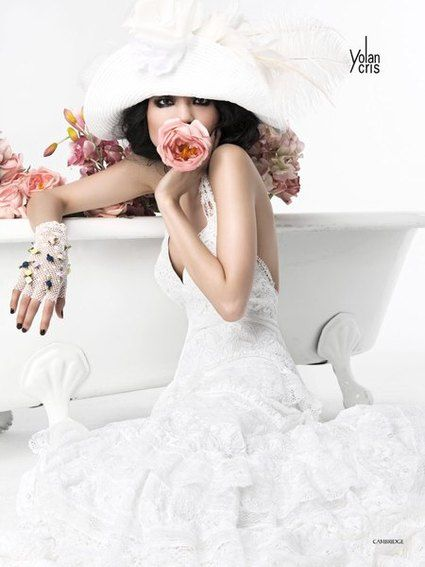 Magnifique Robe de mariage Yolan Cris Cambridge d'occasion