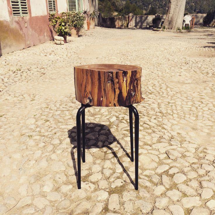 Taburete #taburete #design #madera #wood #iron #rustic #rustico #design #creative