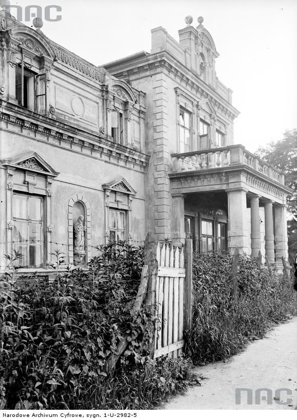 Fragment Pałacu Lasockich z zewnątrz.