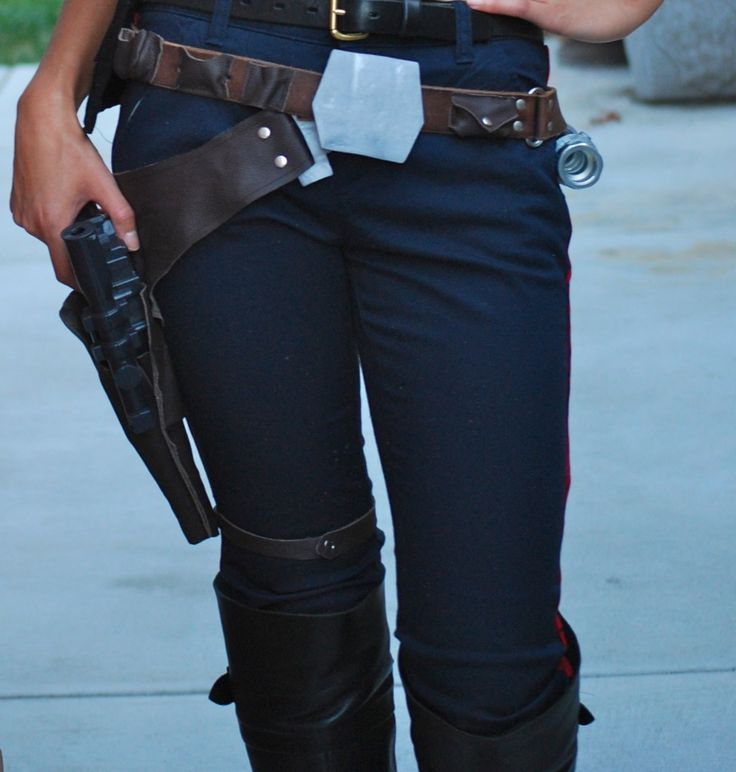Han Solo holster/belt tutorial.  Post is part of a Han Solo cosplay tutorial series.