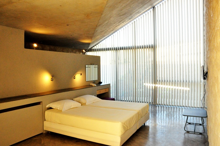 Leivatho Hotel Suites & Studios
