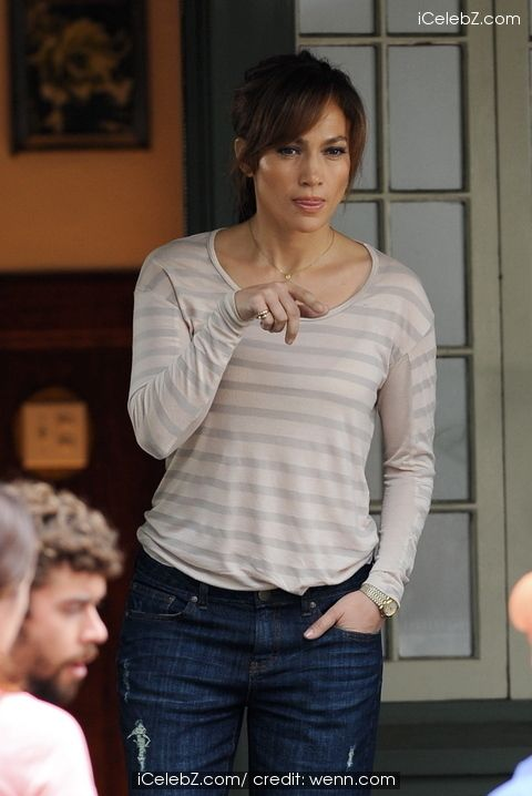 Jennifer Lopez on the set of new movie 'The Boy Next Door' See more pic http://www.icelebz.com/events/jennifer_lopez_on_the_set_of_new_movie_the_boy_next_door_/