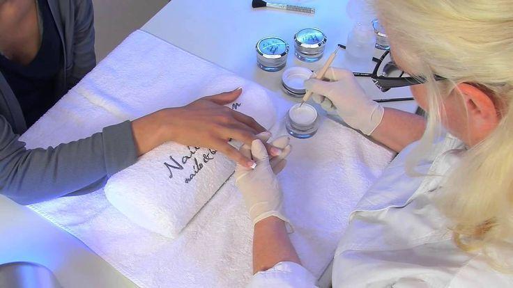 UV-Gel-Nagelmodellage mit Nagelspitzen für künstliche Fingernägel …