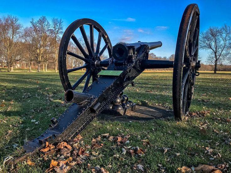 12 pounder rifled breachloading gun 1901-10 #gun #cannon #historical #butlersbarracks #niagaraonthelake #ontario #canada #rifled #breachloading #grass #lawn #bluesky #fall #autumn #iphone7plus #iphonephoto #iphonephotography #sauravphoto #early20thcentury #early1900s