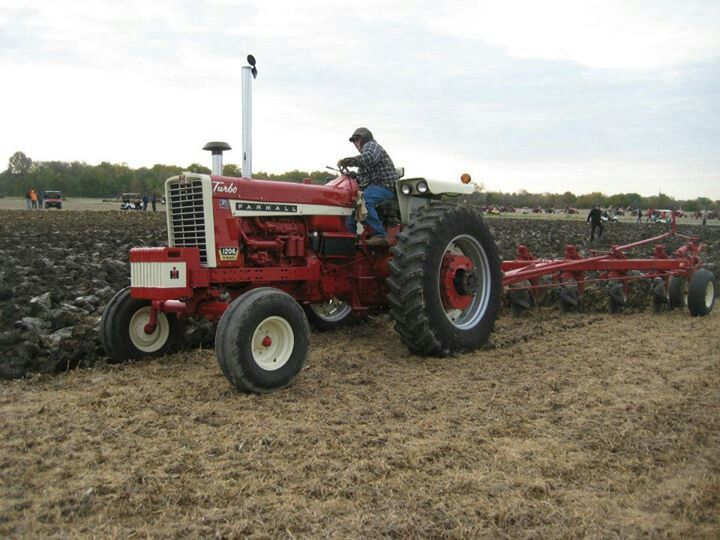 1086 Ih Plowing : Ih plowing tractor s just doing it pinterest