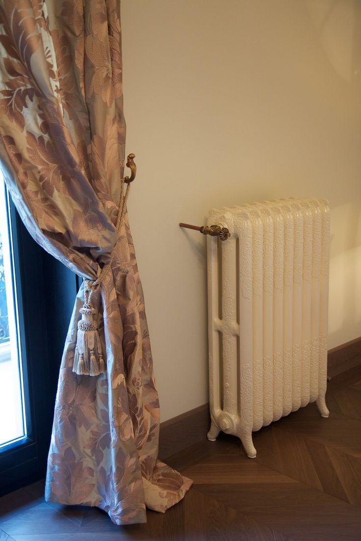 Proiecte Design - La Maison - beautifull rococo old fashion radiator - iron cast