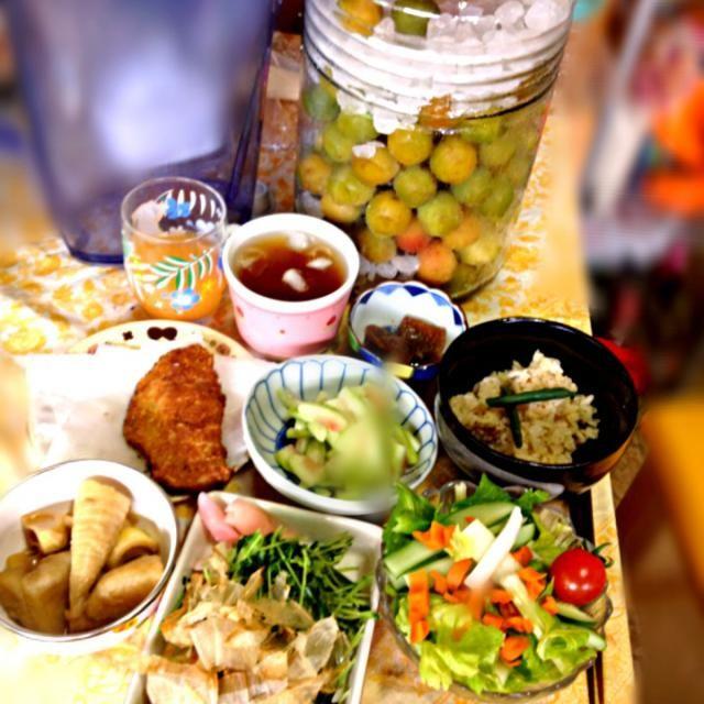 朝からガッツリ❤❤❤ - 30件のもぐもぐ - 鯛めし、鯛味噌汁、鯵フライ、豆苗お浸し、沢庵炒め、セロリサラダ、竹の子煮物、スイカお新香、グレープフルーツジュース、年代物梅ジュース by happy3