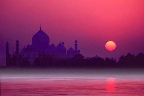 India, Taj Mahal.