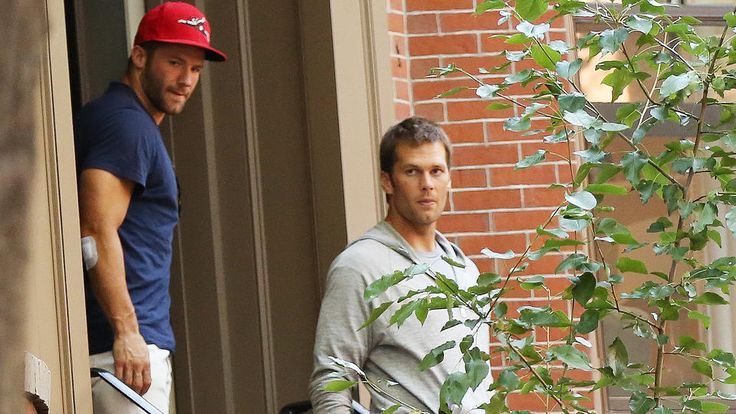 Tracked Down: Tom Brady, Bridget Moynahan, Patrick Warburton and more... | Boston Herald