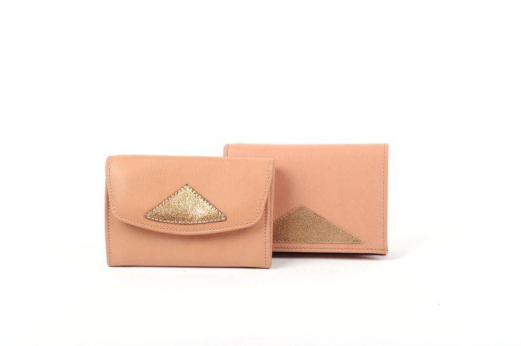 - Antoinette Ameska - Portefeuille & Porte monnaie Chicago cuir couleur rose poudre et paillette ambre #créateur #antoinetteameska #tendance
