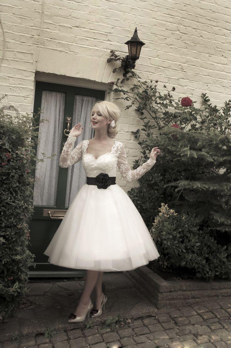 Short western style wedding dresses   best vestido images on Pinterest  Gown wedding Wedding