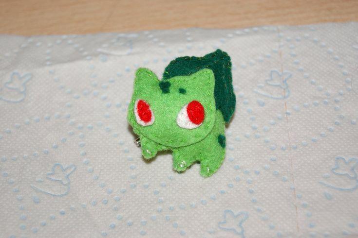 Bulbasaur Felt Brooch by ~inu-chan-free on deviantART