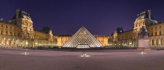 Biglietti  https://viviparigi.it/musei-esposizioni/louvre-prezzi-biglietti-orari.html Inclusa nel http://viviparigi.it/ParisPass.html Con i suoi 8,8 milioni di visitatori l'anno, Le Louvre è il museo più ammirato al mondo e, senza dubbio, una tappa irrinunciabile per chi è in visita a Parigi. La Gioconda, la Venere di Milo e la Nike di Samotracia sono solo alcuni tra i capolavori custoditi all'interno del cosidetto Grand Louvre.