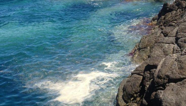 Liquami in mare a Stalettì, sulla costa catanzarese: proteste dei turisti | Il Quotidiano del Sud