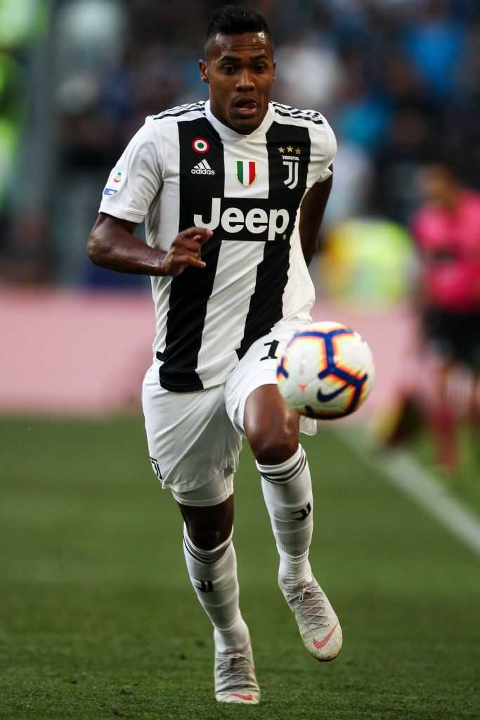 Juventus Defender Alex Sandro 12 In Action During The Serie A Football Match N 7 Juventus Napoli On 29 09 2018 At The Allianz Stadium In Turin Ital サンドロ 写真