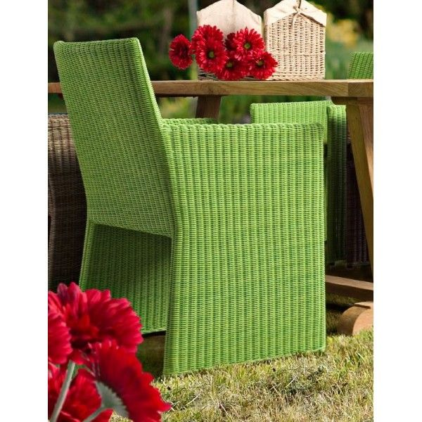 "Sedia modello Abigail Struttura in alluminio, intreccio in Polyrattan (tondo 2.5 mm). Cuscino sfoderabile con tessutto ""Sunproof"" Olefin (100% polypropylene). Disponibile nei colori: Marrone - Turchese - Verde"