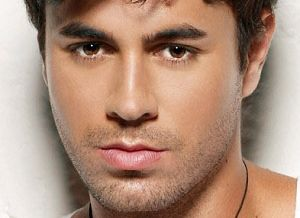 Alfa img - Showing > Enrique Iglesias Biography