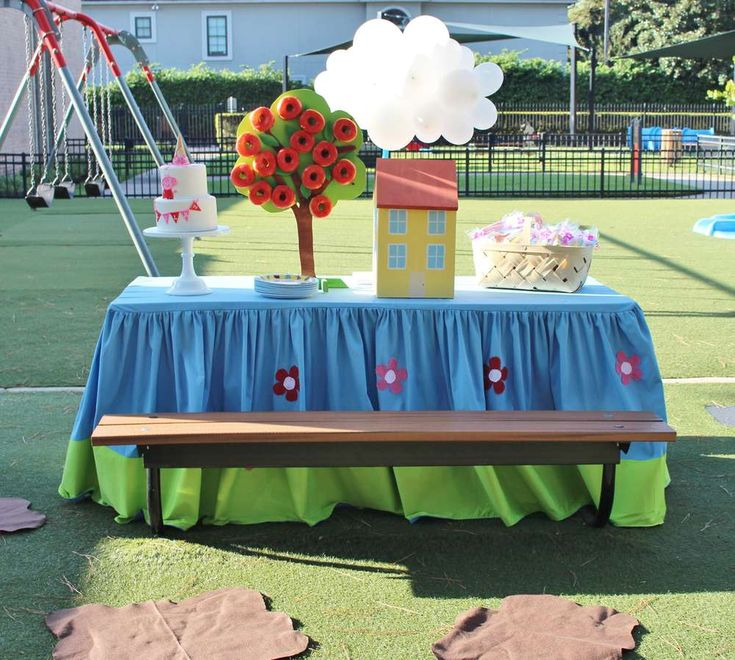 Lila's Lovely Peppa Pig Park Party | CatchMyParty.com