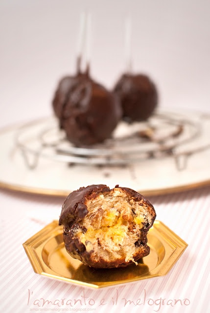 Cake balls with panettone, tangerine and cointreau. Oh my.