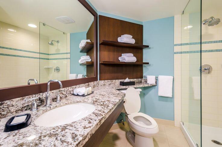 Если вы хотите сэкономить на покупке плитки 🛀🚿 для ванной комнаты, воспользуйтесь следующим советом от #СантехникаТут: 🙋керамической плиткой облицуйте пол и стены вблизи непосредственного попадания воды, т.е. в зоне ванны или душевой кабины. А остальные стены можно просто покрасить или обклеить водостойкими обоями в тон.  Плитка для ванной комнаты – http://santehnika-tut.ru/keramicheskaya-plitka/ #смесители #сантехника #дизайн #ванна #дизайнванной #ваннаякомната