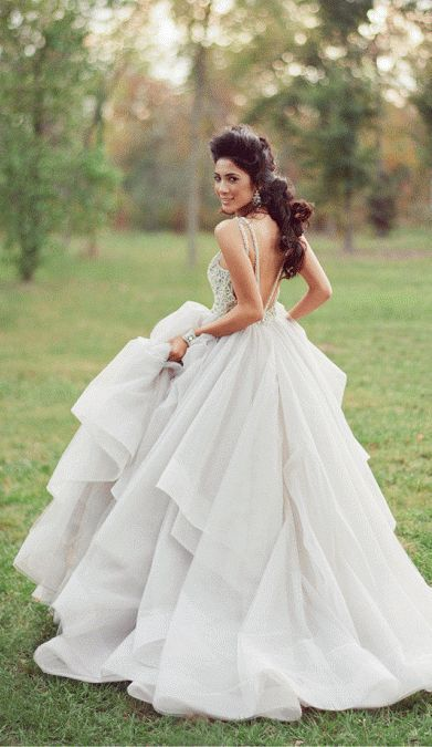 Backless Wedding Dresses With Sexy Details