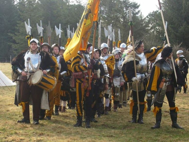 Group of soldiers from Krighslive LARP in Norway. - Calimacil LARP Spear : Murten, the Halberd Head