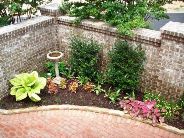 Small courtyard landscaping bonnie helander blogs about for Courtyard landscaping ideas