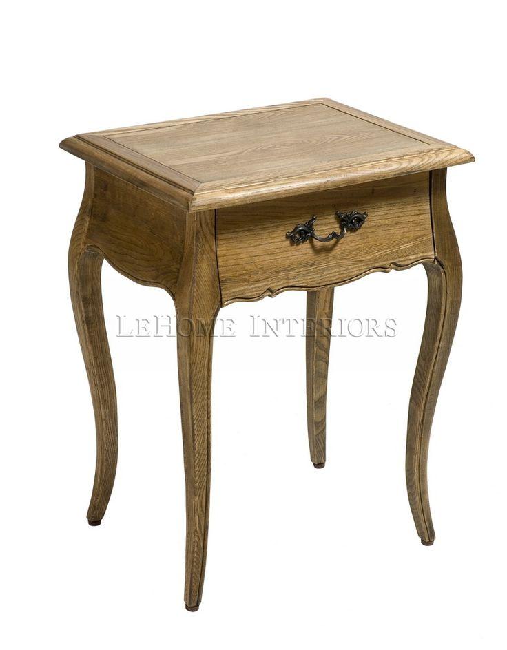 Тумбочка Riviere Bedside Table. Прикроватный столик  в стиле прованс на высоких ножках. Каркас и внутренние части выполнены из массива дуба. Выдвижной ящик  для мелочей. Фурнитура выполнена из латуни.