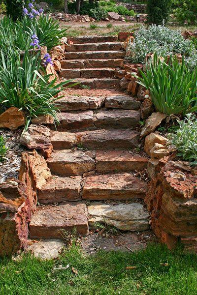 17 beste idee n over stenen paden op pinterest stenen paden steenpaden en rotspad - Geplaveid voor allee tuin ...