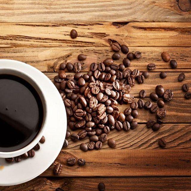 Арабика. Вкус в вашей чашке создает именно арабика. Этот сорт существенно дороже робусты в силу сложности выращивания и в силу своих вкусовых характеристик. Но именно кофе различных сортов арабики несет в себе вкусовое разнообразие. #арабика #кофе #кофеминск #кофейня #кофейни #минск #ароматныйкофе #вкусныйкофе #кафе #кафеминск #лучшийкофе #кофессобой #беларусь #coffee #bestcoffee #bestcoffeeminsk #instacoffee #instagramanet #instatag #coffeetime #coffeelover #coffeebreak #coffeelovers…