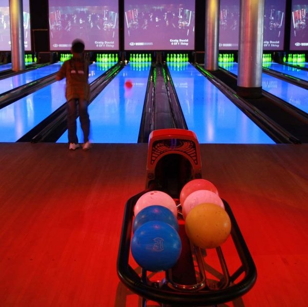 The latest Tweets from Paradise Bowl (@Paradise_Bowl). We have served Tacoma as a family entertainment center for over 40 years. We have something for everyone, including bowling, an arcade, and party rooms!. Tacoma, WA.