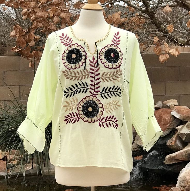 Size M Mexican blouse embroidered with floral design Handmade blouse #Handmade #Bohemian