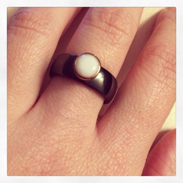 My favourite melano black&white ring