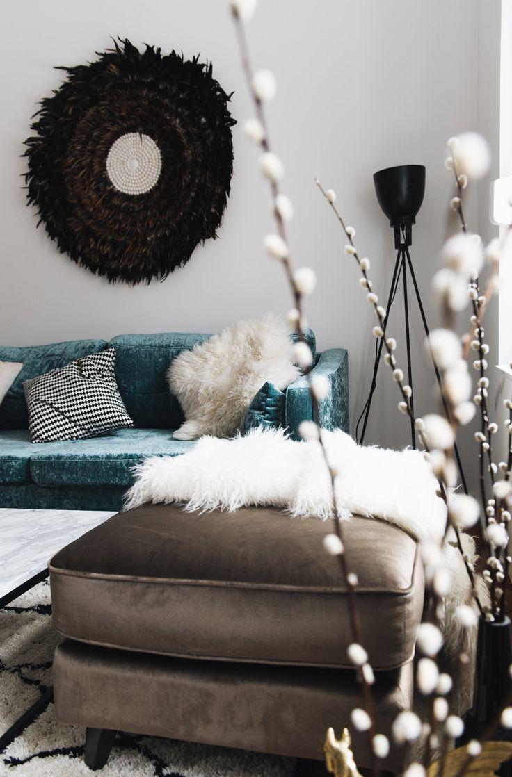 Interior Unser Wohnzimmer Mit Samt Sofa Und Marmortisch