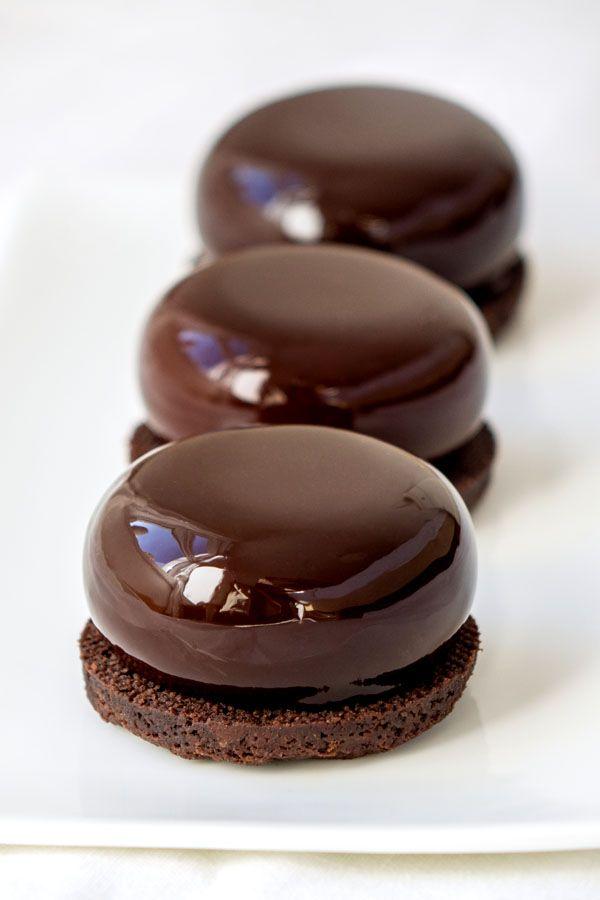 Recette du glaçage miroir au chocolat