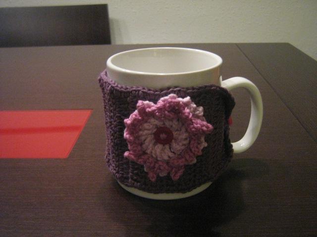 Calienta tazas con flor y tonos LILA.