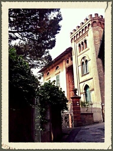 Un #borgo come #Montemagno puó esser ricco di sorprese! #Calci #Pisa #tuscany